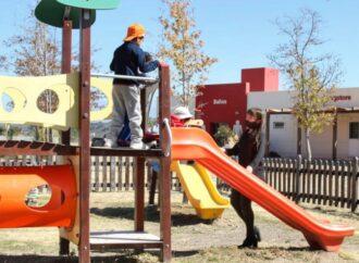 Recreación en el Parque Bicentenario para chicos de dispositivos de protección