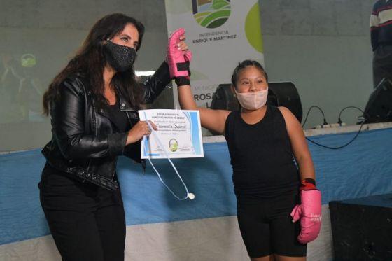 Elena Cornejo participó en el cierre del boxeo en Rosario de Lerma