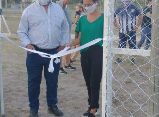 San Francisco inauguró una cancha de fútbol 5 con piso sintético