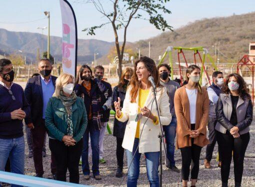 Bettina Romero inauguró las obras de recuperación en la plaza de barrio Unión